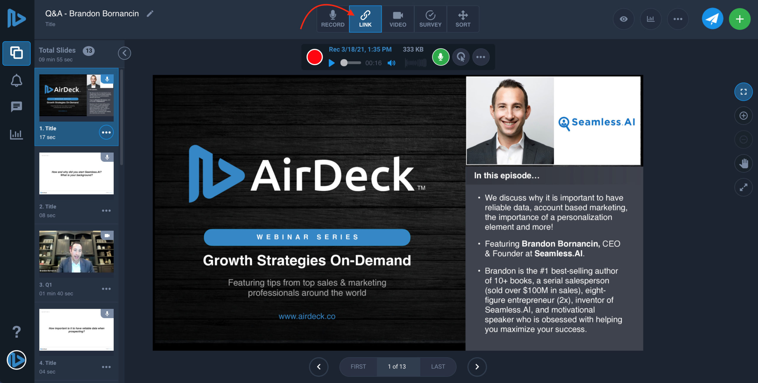 Arrow pointing to link type button on AirDeck user interface